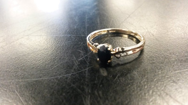 BLACK STONE(S) Black Stone Lady's Stone Ring 10K Yellow Gold 0.8dwt Size:7