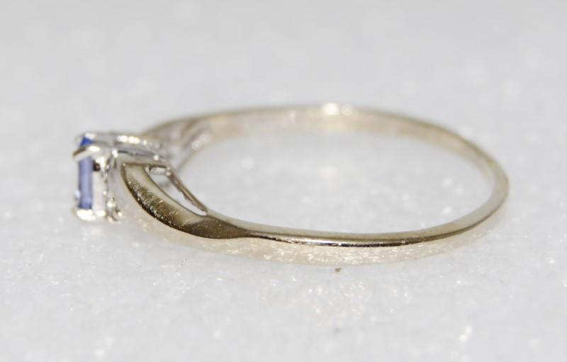 10K White Gold Dainty Oval Tanzanite & Diamond Wave Ring Size 9
