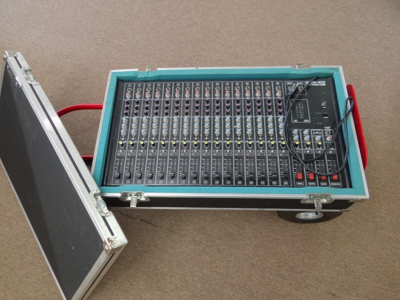 ELECTRO-VOICE BK-1632 MIXER