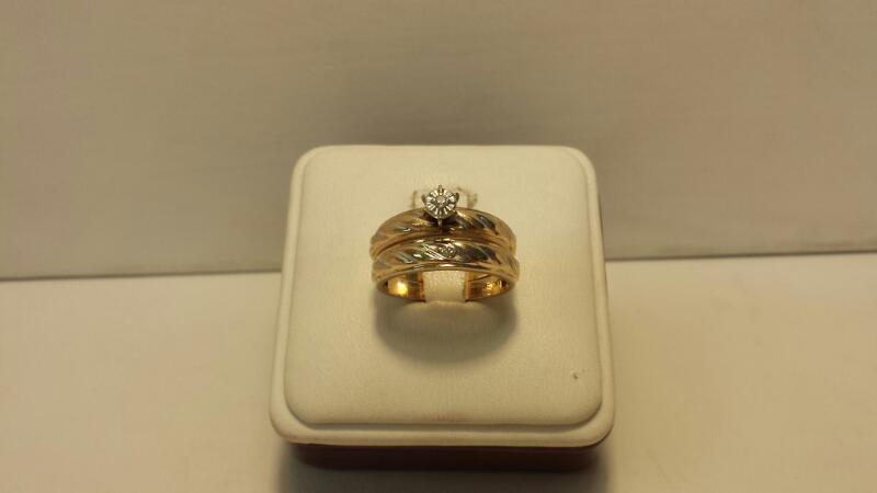 10k Yellow Gold Ring Set with 2 Diamond Chips - 3dwt - Size 6.5