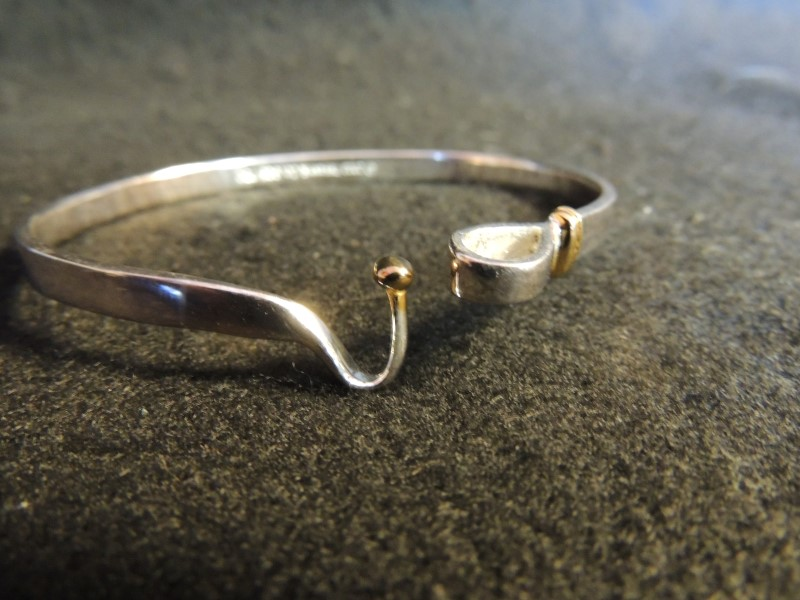 Tiffany & Co Hook and Eye Two Tone Silver 925 18K Gold Ball Bangle Bracelet AUTH