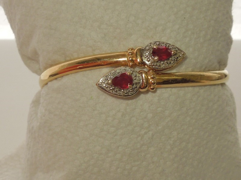 Ruby Gold-Diamond & Stone Bracelet 8 Diamonds .040 Carat T.W. 14K Yellow Gold