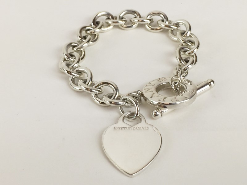 Tiffany & Co .925 Heart Link Toggle Bracelet 39.45G