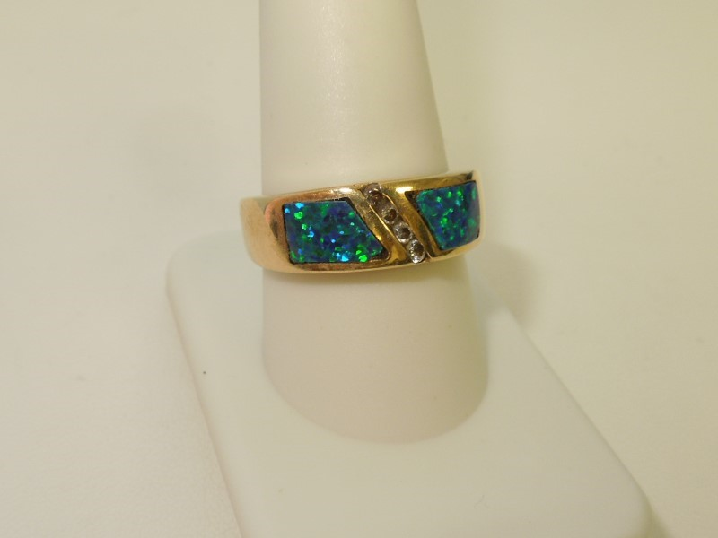 Synthetic Opal Lady's Stone Ring 14K Yellow Gold 8.3g