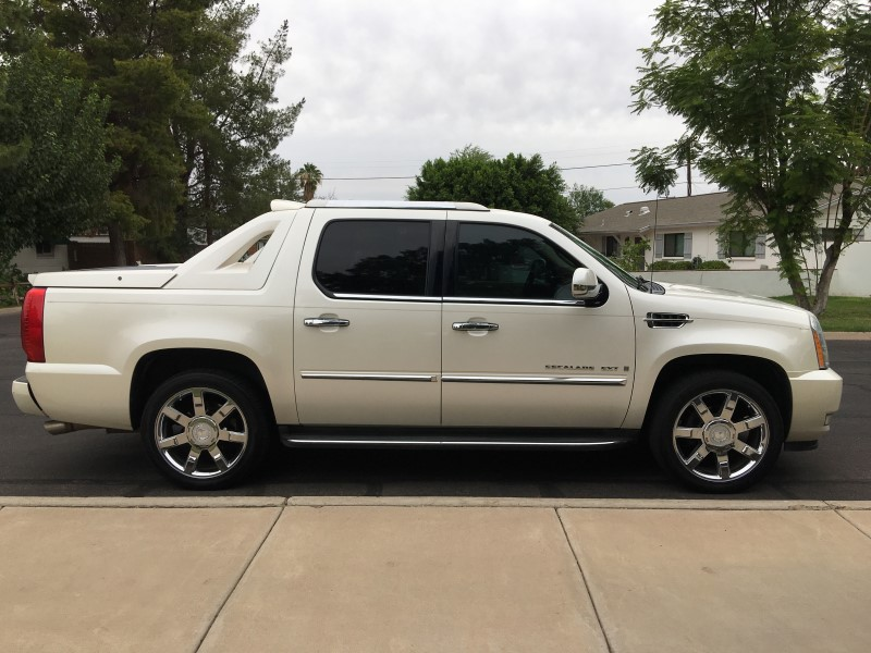 2007 CADILLAC ESCALADE EXT Full-Size Luxury SUV V8 6.2L AWD 121,637