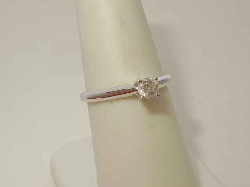 Lady's Diamond Solitaire Ring .15 CT. 14K White Gold 2.2g