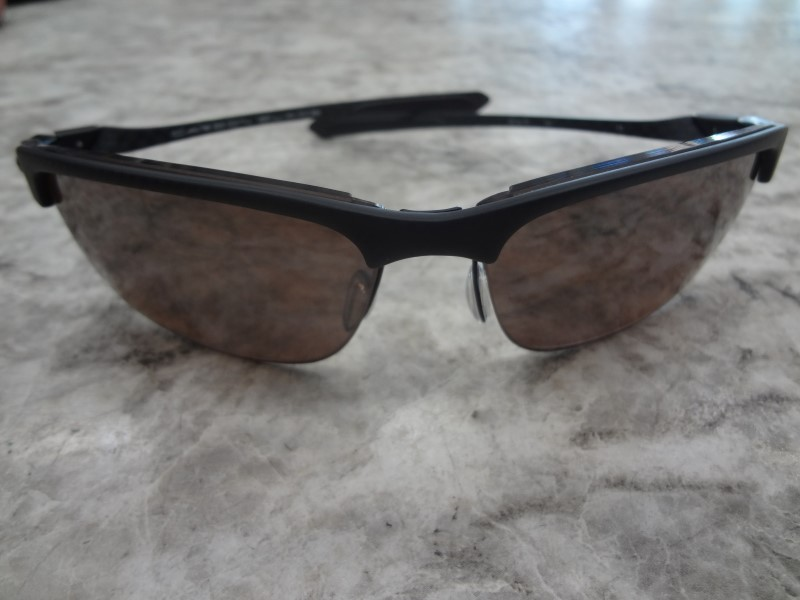 OAKLEY SUNGLASSES CARBON BLADE - WITH CASE AND POUCH