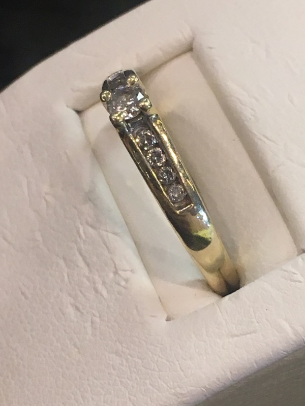 Lady's Gold Ring 10K Yellow Gold 2.2dwt