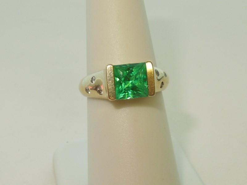 GREEN SAPPHIRE & DIAMOND RING - SIZE 7.5