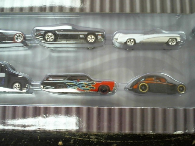 HOT WHEELS Toy Vehicle PHIL'S GARAGE 30 CAR SET