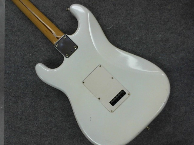 FENDER Electric Guitar STRATOCASTER PLUS