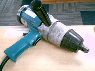 MAKITA Air Impact Wrench 6906