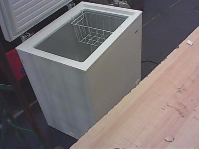 HAIER Refrigerator/Freezer HCM050EC