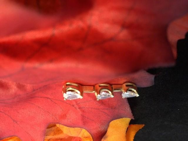 Beautiful 14k Yellow Gold & Three Stone Cubic Zirconia Pendant Charm 1.6 Grams