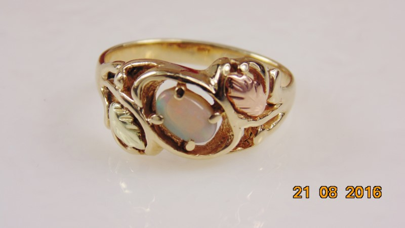 BHG OPAL LADIES RING 10K 3.3G SZ.6