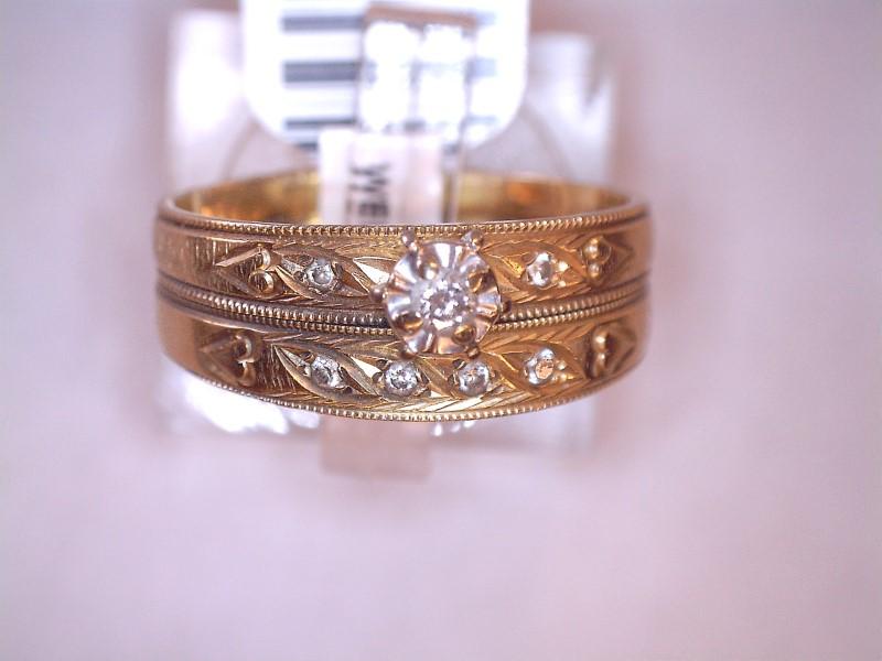 Lady's Diamond Wedding Set .10 CT. 14K Yellow Gold 3.2dwt Size:9