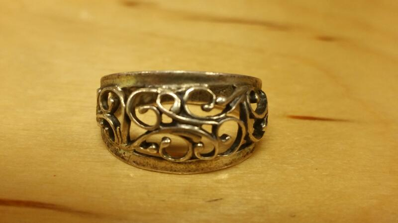 Lady's Silver Ring 925 Silver 2.1dwt