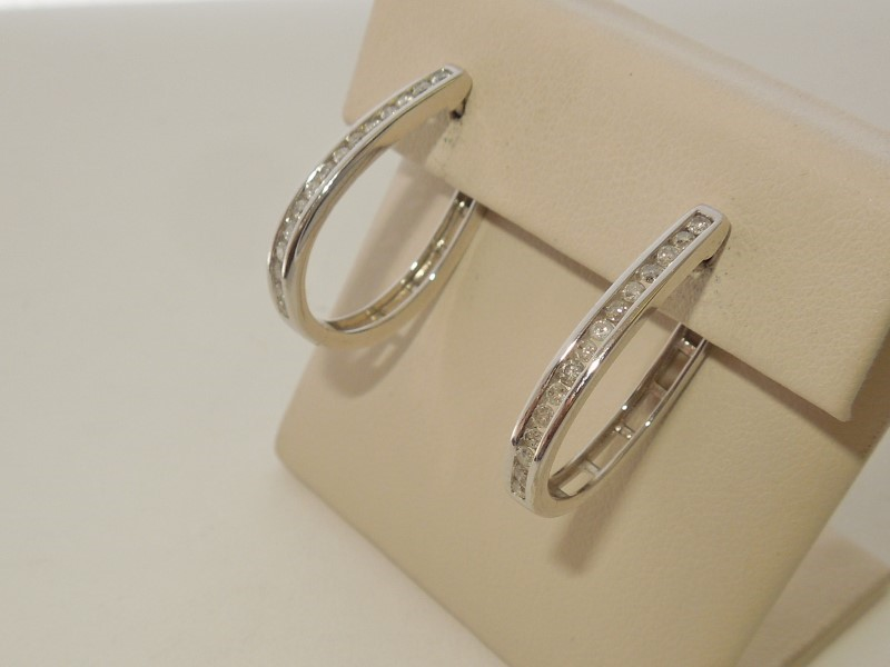 Silver-Diamond Earrings 30 Diamonds .60 Carat T.W. 925 Silver 4g