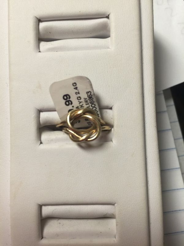 Lady's Gold Ring 14K Yellow Gold 2.4g Size:3