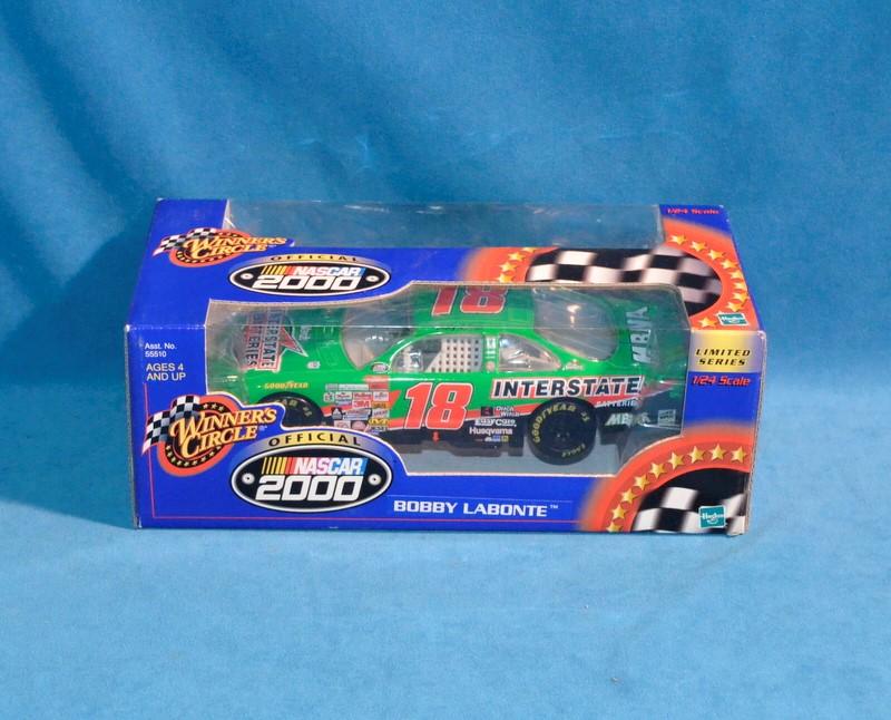 WINNERS CIRCLE Bobby Labonte #18 NASCAR 2000 1:24 Diecast Car
