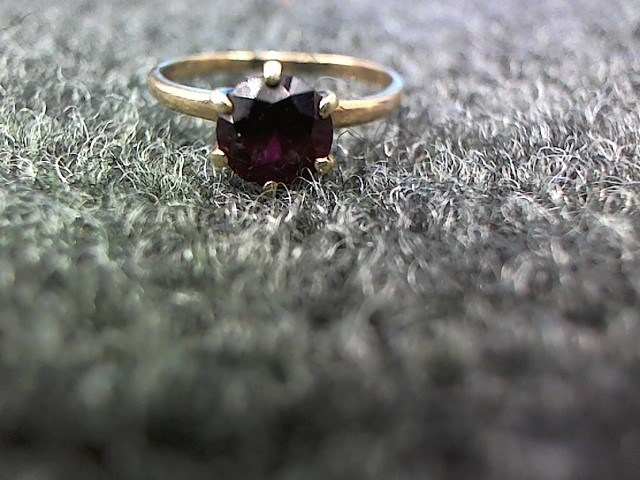 Red Stone Lady's Stone Ring 10K Yellow Gold 2.2g Size:8