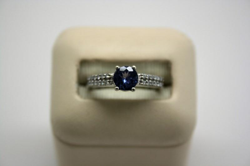LADY'S TANZANITE & DIAMOND RING 14K WHITE GOLD