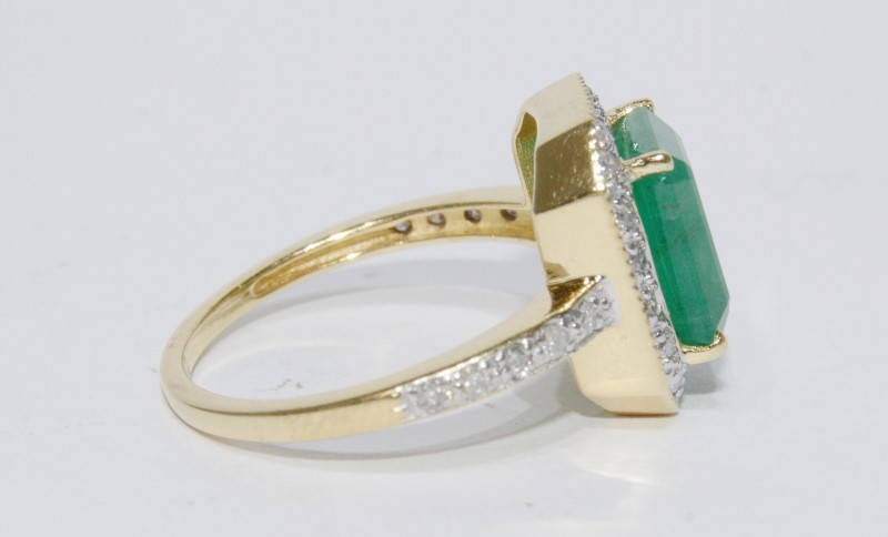 14K Yellow Gold Natural Large Emerald & Diamond Band Halo Style Statement Ring