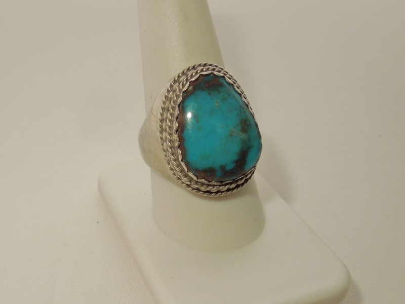 Synthetic Turquoise Lady's Silver & Stone Ring 925 Silver 13.7g
