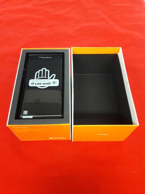 BLACKBERRY Cell Phone/Smart Phone STV100