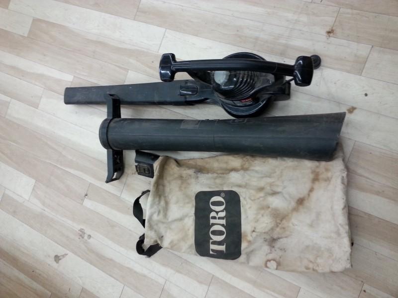 TORO Leaf Blower RAKE & VAC 51574