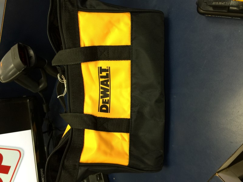 DEWALT Screwdriver DCF610 with Bag and Charger