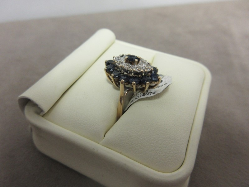 Blue Stone Lady's Stone Ring 10K Yellow Gold 4.03g