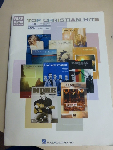 Hal Leonard Top Christian Hits - Easy Guitar with Notes & Tab
