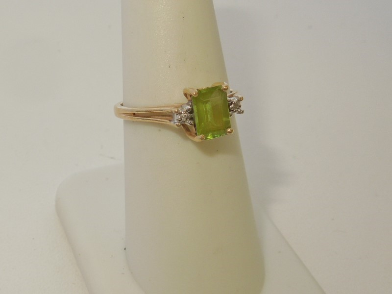 Synthetic Peridot Lady's Stone & Diamond Ring 2 Diamonds .02 Carat T.W.