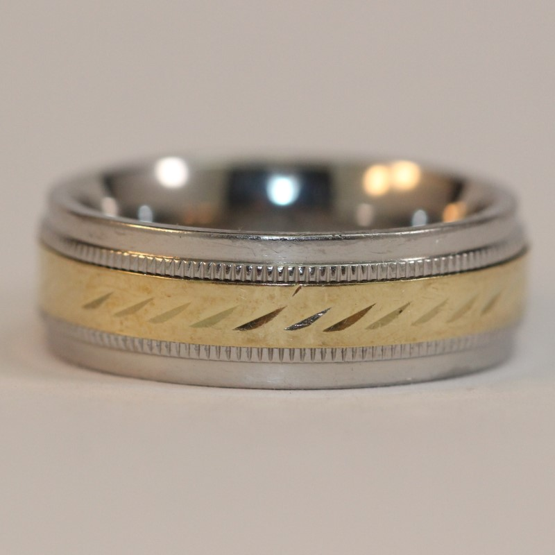 Men's 10K Yellow Gold and Stainles Steel Band Size 9