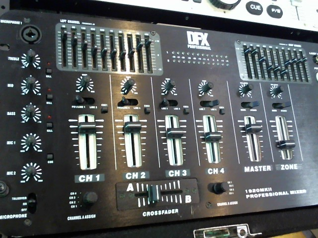 DFX PROFESSIONAL DJ Equipment 1920 MKII