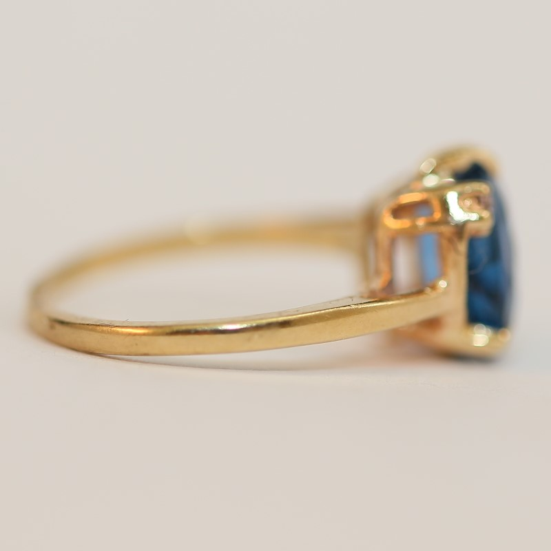 Vintage Inspired 10K Yellow Gold Blue Stone and Diamond Ring Size 5.5
