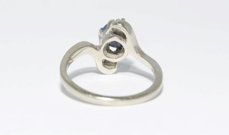 Whimsical 10K White Gold Star Sapphire & Diamond Twist Ring sz 6