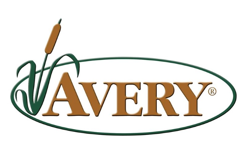 AVERY OUTDOOORS