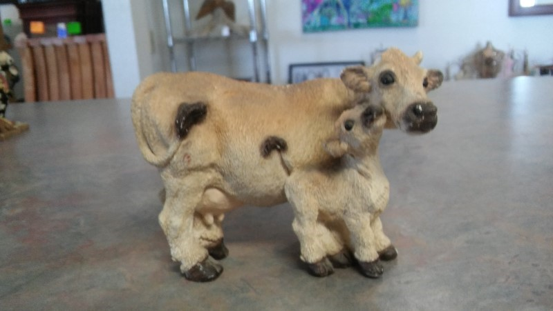 COW AND CALF FIGURE