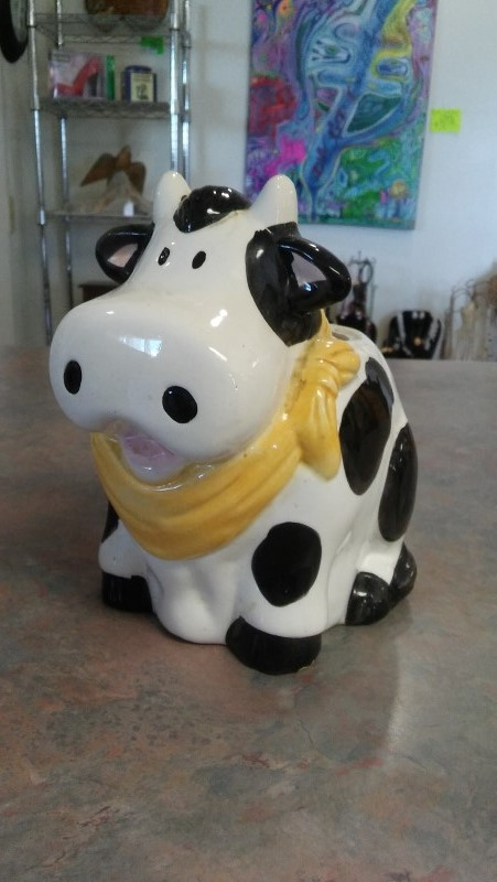 COW VASE Glass/Pottery COW PLANTER WITH YELLOW TIE