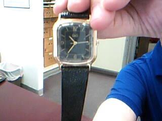 Q & Q Gent's Wristwatch P00224