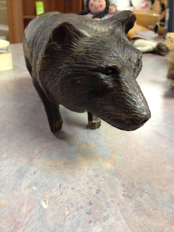 Collectible Plate/Figurine CARVED WOLF