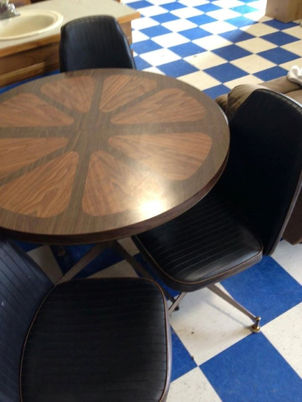 BRODY Dining Funiture TABLE W/ 4 CHAIRS