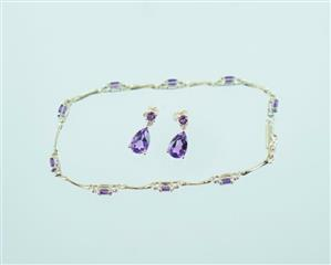 10KT YELLOW GOLD AMETHYST & DIAMOND EARRINGS .02 ATW