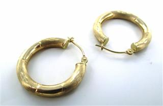14KT YELLOW GOLD DIAMOND CUT DESIGN HOOP EARRINGS