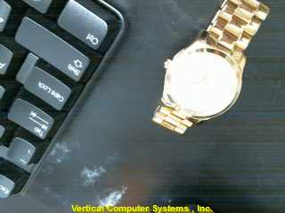 5852 NON-GOLD WATCH L'S OTHER WATCH   Y
