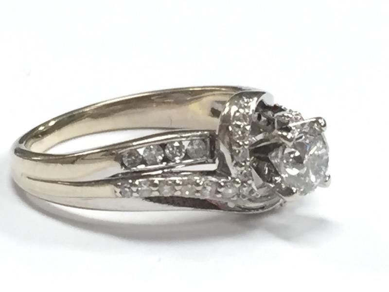 *HALO 14K DIAMOND ENGAGEMENT RING SIZE 5.5