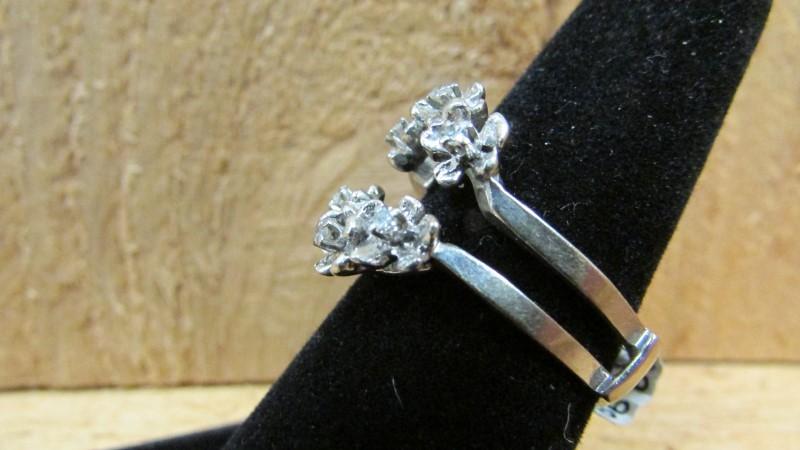 Lady's Gold-Diamond Ring Guard 6 Diamonds .18 Carat T.W. 14K White Gold 5.7g