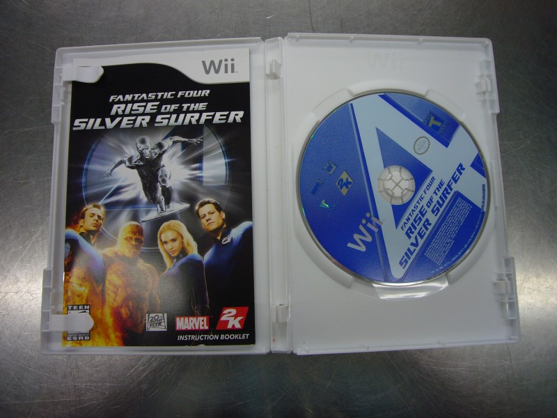 NINTENDO Wii Game FANTASTIC FOUR RISE OF THE SILVER SURFER